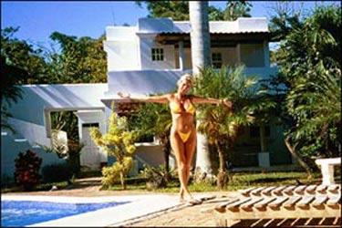 Paula Piazza Day at the pool