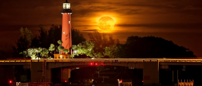 Burning Moonrise Over Jupiter Inlet Lighthouse Florida Share the Growth